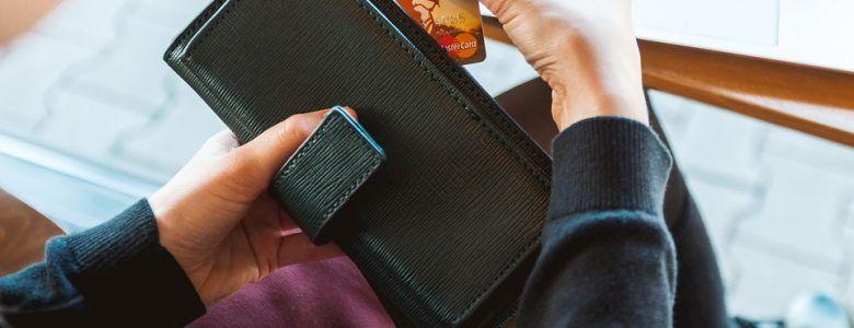 Les cartes de crédit plus chères que les emprunts !